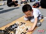 图为对弈的小选手。 徐振华 摄 - 甘肃新闻