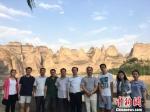 项目组赴甘肃省积石山县进行实地调研。 张儒 摄 - 甘肃新闻