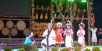 图为白马藏族儿童表演舞台剧。 李新星 摄 - 甘肃新闻