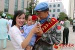 【陇原视觉】维和官兵凯旋归来  幸福的主题就是团圆(组图) - 中国甘肃网