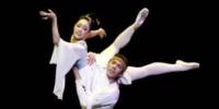 近日,兰州芭蕾舞团凭借着芭蕾版《大梦敦煌》惊艳亮相第三届中国国际芭蕾演出季。图为芭蕾版《大梦敦煌》演出剧照。 钟欣 摄 - 甘肃新闻