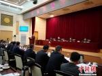 2月9日,兰州市市长张伟文就兰州创建全国质量强市示范城市发言。 刘薛梅 摄 - 甘肃新闻