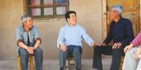 林铎在会宁县调研时强调 抓实一户一策 夯实产业扶贫 全力以赴打好精准脱贫攻坚战 - 人民政府