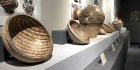 彩陶展示。(焦隆 摄) - 人民网