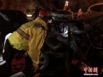 图为事故救援现场。(资料图) 杨青 摄 - 甘肃新闻