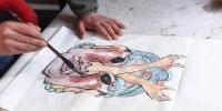 图为甘肃民间艺人马正德所画的《水浒传》中杜迁人物图稿。 杨艳敏 摄 - 甘肃新闻