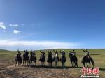 图为山丹马场的牧马人。 徐雪 摄 - 甘肃新闻