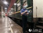 兰州铁路局单日旅客发送量再创新高 - 人民网