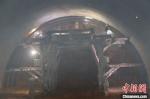 2020年7月27日,由中国铁建大桥局承建的新建中兰铁路剪金山隧道顺利贯通。图为剪金山隧道贯通前掌子面施工。 卢文辉 摄 - 甘肃新闻