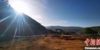 10月21日,位于甘肃天水麦积区伯阳镇境内的疑似唐代古墓事发地。 魏建军 摄 - 甘肃新闻