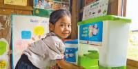 中国和联合国儿基会为柬埔寨幼儿园捐赠物资 - 人民网